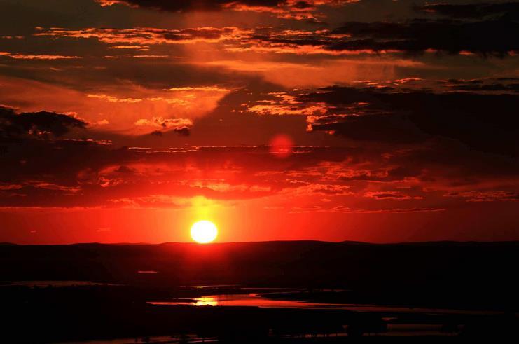 呼伦贝尔额尔古纳黑山头的日落