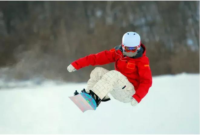 呼伦贝尔扎兰屯金龙山滑雪场滑雪