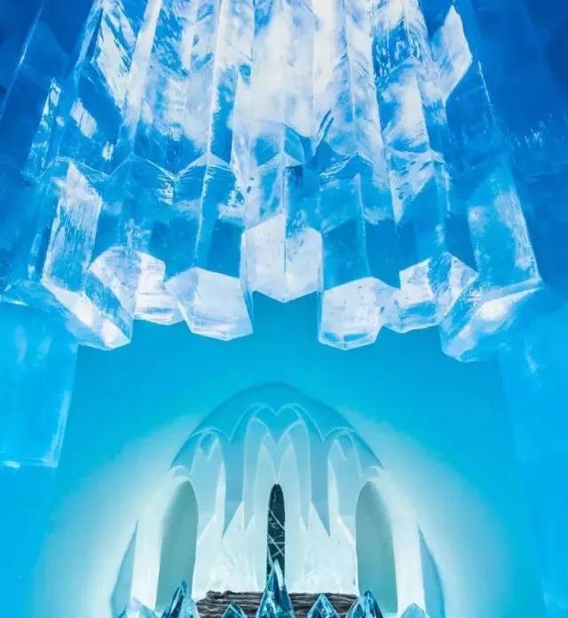 Ice Hotel内的吊灯