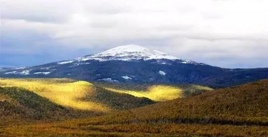 """有""""中国富士山""""之称的呼伦贝尔奥克里堆山"""