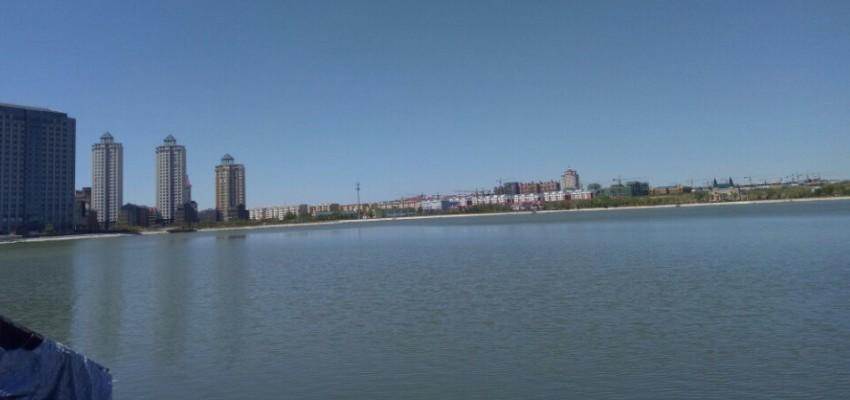 夏天的满洲里北湖公园景色