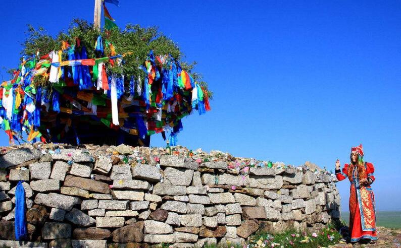 呼伦贝尔大草原祭敖包图片