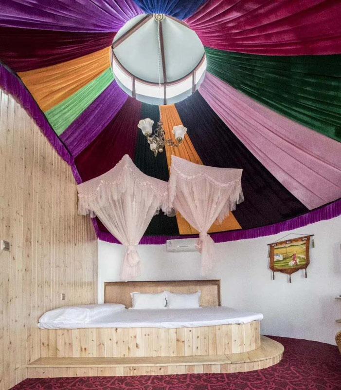 呼伦贝尔住宿蒙古包内部照片全景