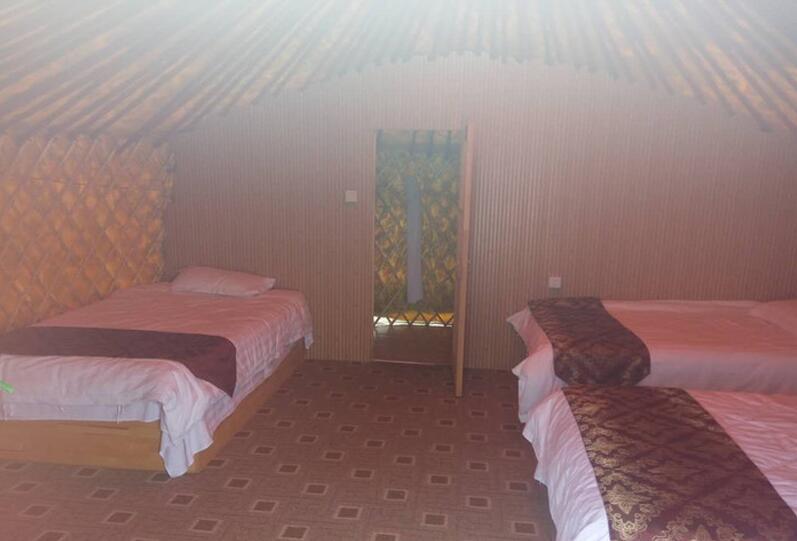 呼伦贝尔住宿蒙古包里面内部设施照片