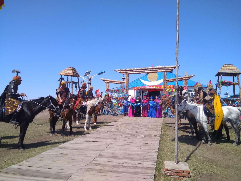 震撼,让每个蒙古族女孩都羡慕的蒙古婚礼截图