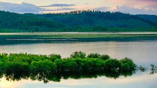 呼伦贝尔的阿尔山美丽的杜鹃湖景区简介