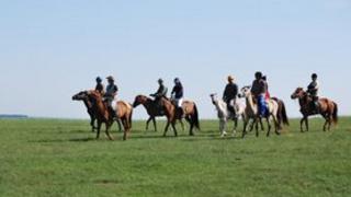蒙古王5天4晚呼伦贝尔-哈尔滨-漠河-北极村旅游线路