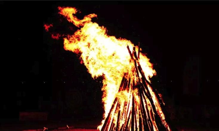 莫力达瓦达斡尔族自治旗建旗60周年旗庆篝火焰火晚会