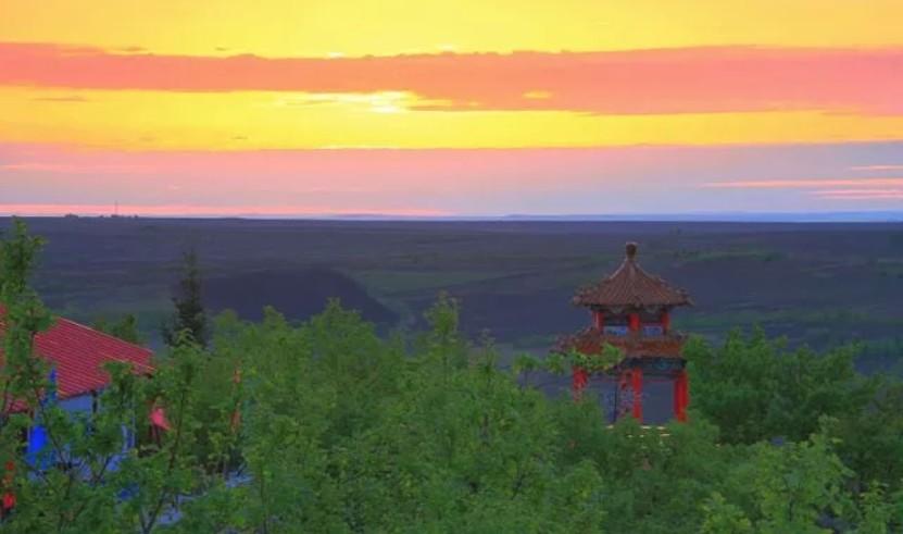 呼伦贝尔8月旅游好去处一莫旗隆华山风景区