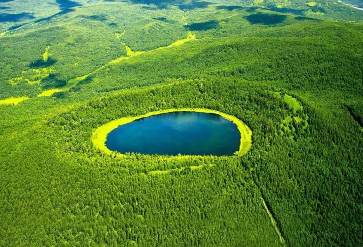 阿尔山森林公园天池