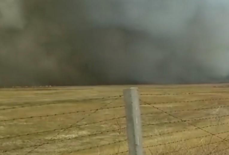 呼伦贝尔中俄边境地区发现火情 森林消防支队110进行扑救