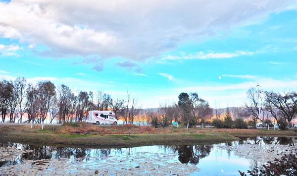 呼伦贝尔贝尔湖房车露营地