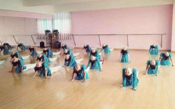 呼伦贝尔舞蹈培训班
