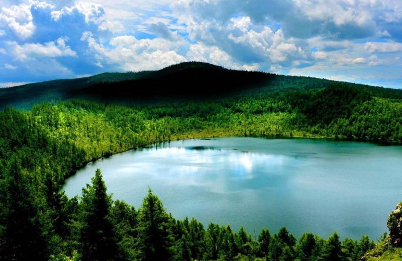 阿尔山夏季天池